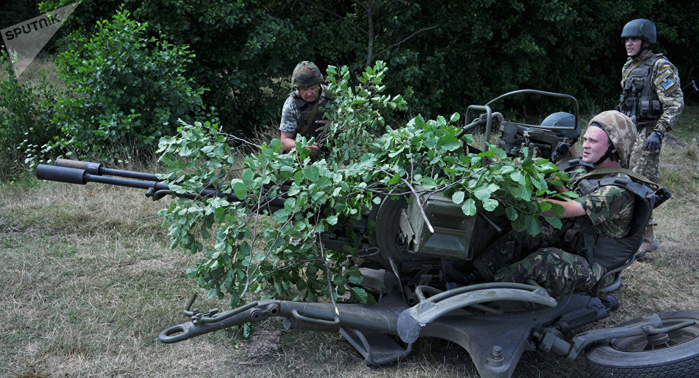 Personnel of the fast response border control unit of the Ukrainian Armed Forces during tactical maneuvers in the Lviv Region