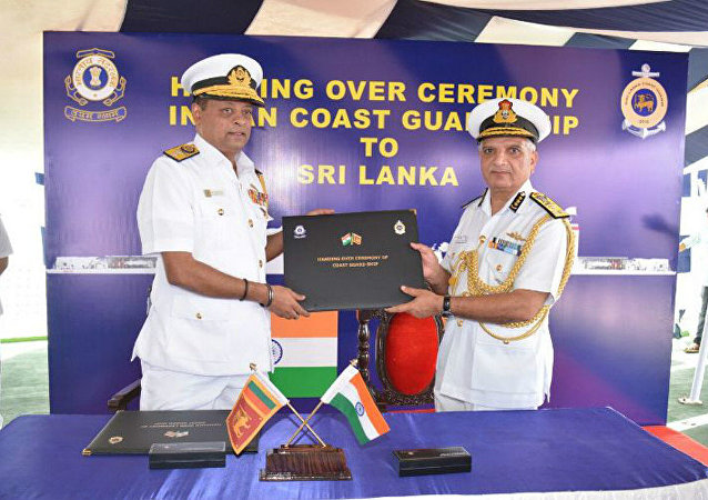 DG Rajendra Singh, PTM, TM, DGICG presenting certificate of Transfer to DGCG Sri Lanka on Handed over Ship Ex-Varuna 05 Sep 17 at Kochi
