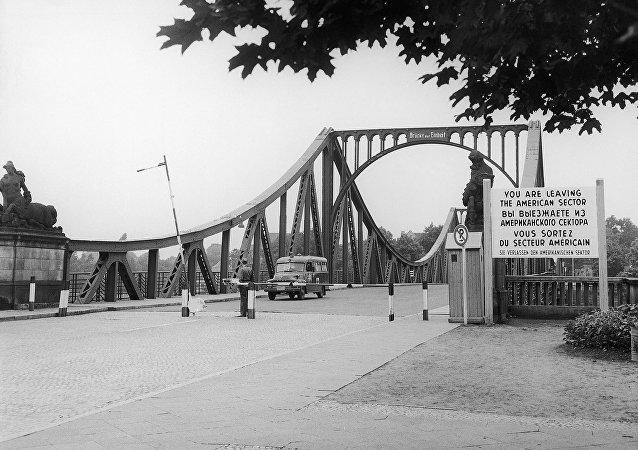 Die Glienicker Brücke, 27. Juli 1962