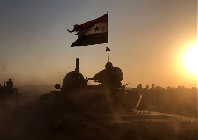 Tanks of the Syrian Army at combat positions in Deir ez-Zor