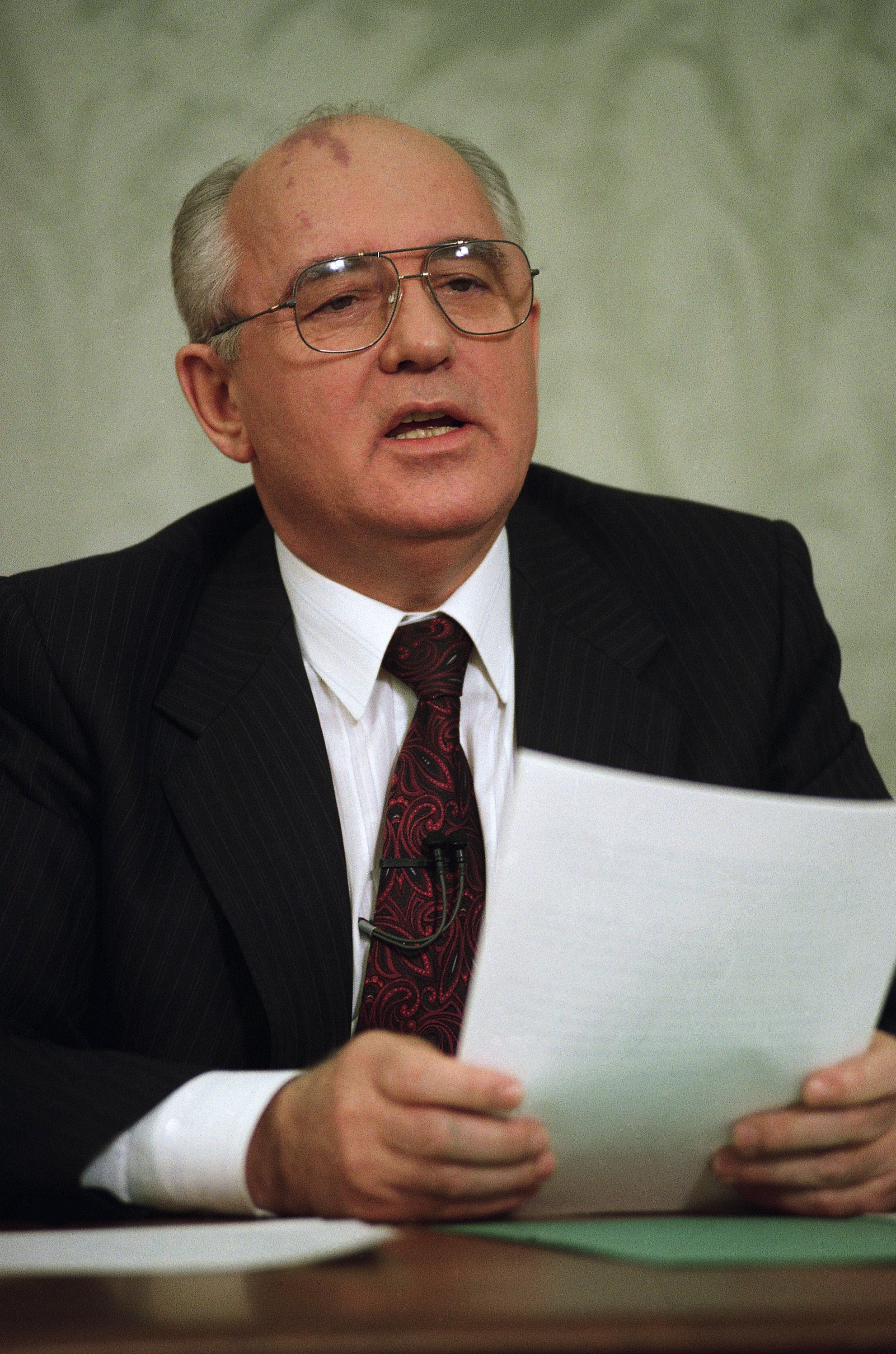 Mikhail Gorbachev the eight and final leader of the Soviet Union, announces his resignation in a televised address from the Kremlin in Moscow on Wednesday, Dec. 25, 1991. (File)