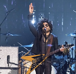 Lenny Kravitz performs at the 2017 Rock and Roll Hall of Fame induction ceremony at the Barclays Center in New York
