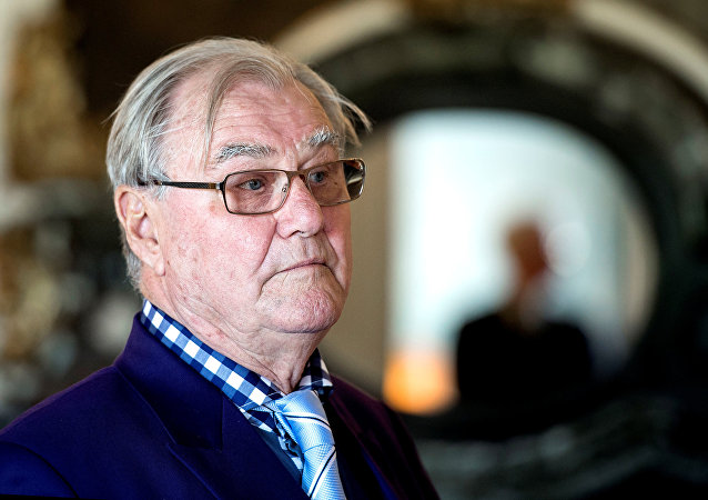 The Danish Royal House states in a press release September 6, 2017 that Prince Henrik suffers from dementia