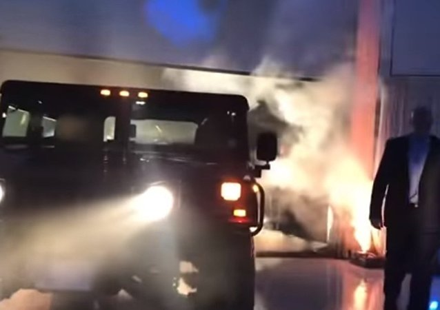 Arnold Schwarzenegger Makes His Hummer All Electric