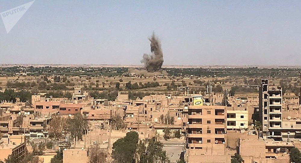 Russian air strikes 'kill hundreds of IS fighters' in east Syria