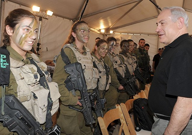 Prime Minister Netanyahu speaks with combat soldiers from the Israeli Defense Forces