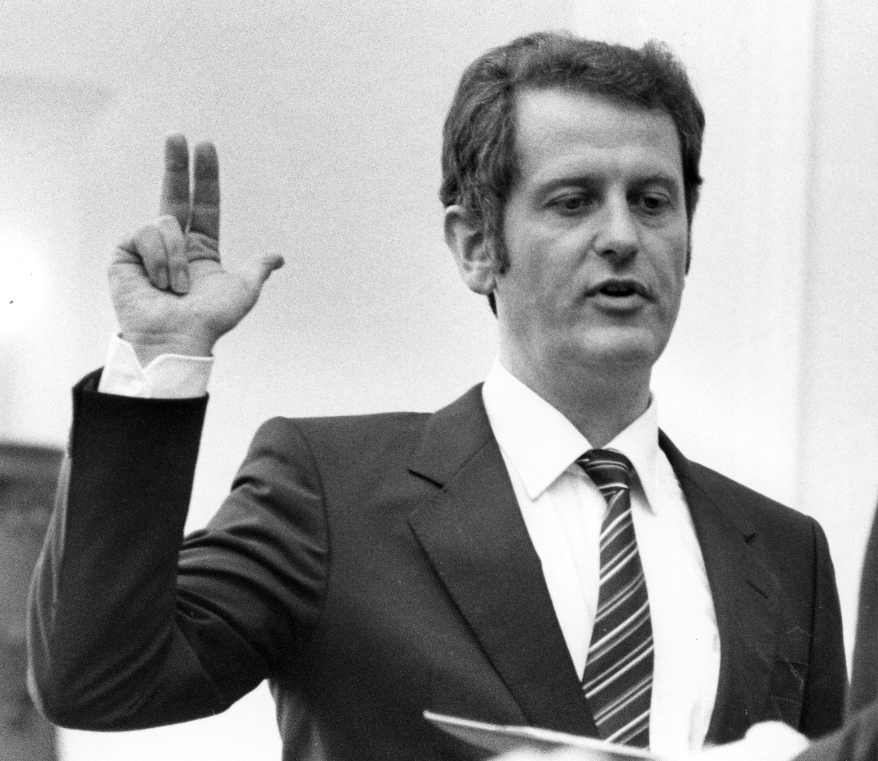 Politician Uwe Barschel, Christian democrats (CDU), gives his oath during the swearing in ceremony after beeing elected as new State Governor of Schleswig-Holstein northern West Germany, in Kiel, October 14, 1982