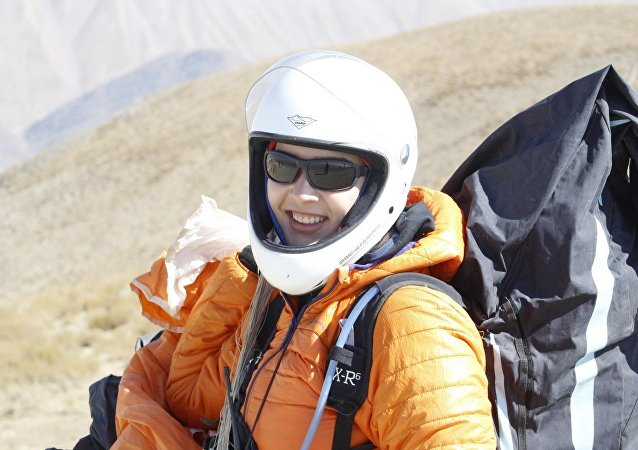 Fatemeh Eftekhari paragliding in Iran