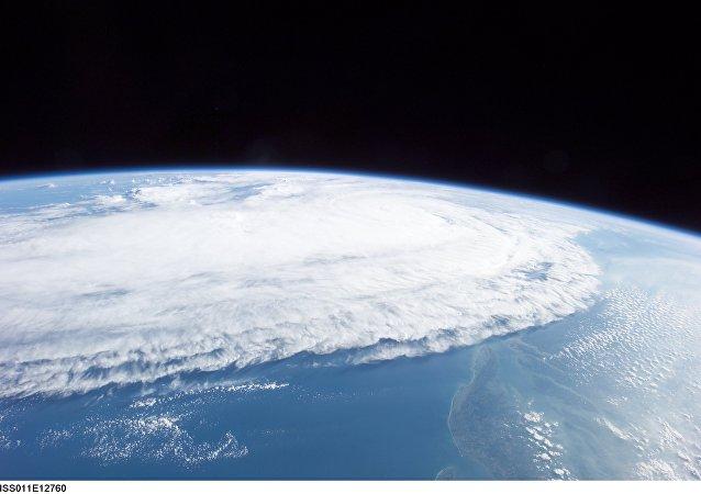 visible image of Hurricane Ophelia (16L) in the Atlantic Ocean