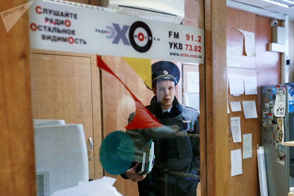 Anchor attacked with knife at Echo of Moscow radio station