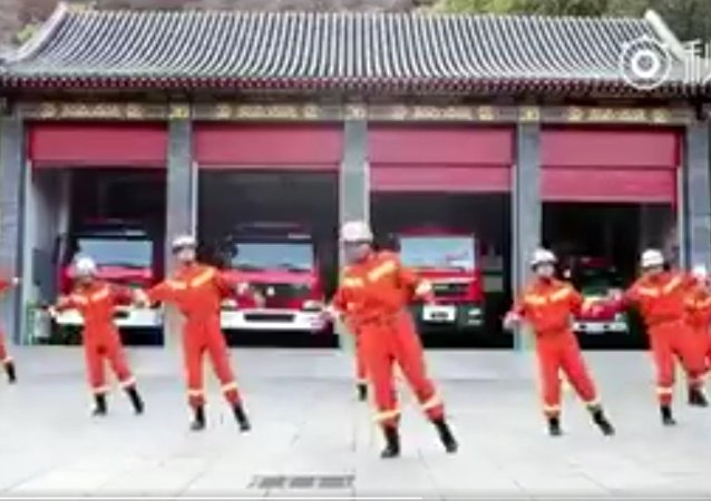 Behind coolness: Cute #shuffledance by Chinese firefighters in Chengde, N.China's Hebei province gets applause from netizens