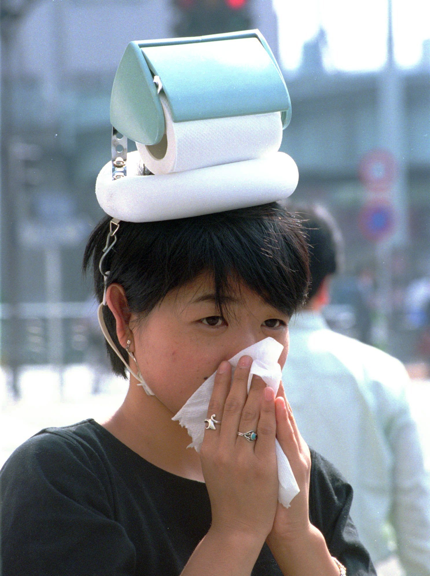 Chindogu the most ingenious and useless inventions in the world photo sputnik international - Nose tissue dispenser ...