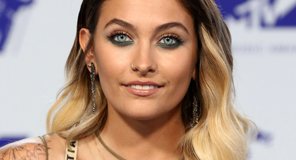 Paris Jackson says sorry to Australia after social media gaffe