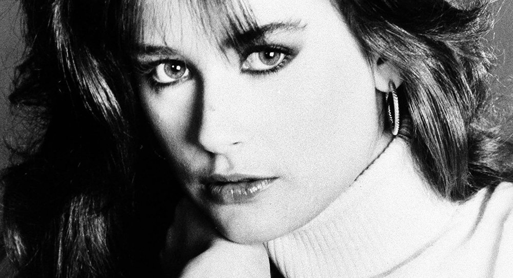General hospital star, Demi Moore, January 1982