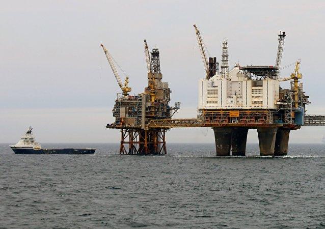 Norway's Øyvind Knoph Askeland oil platform, Norsk olje og gass