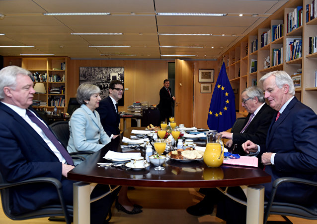 (L to R) Britain's Secretary of State for Exiting the European Union David Davis, Britain's Prime Minister Theresa May, European Commission President Jean-Claude Juncker and European Union's chief Brexit negotiator Michel Barnier meet at the European Commission in Brussels, Belgium, December 8, 2017