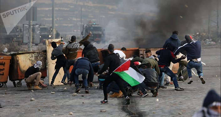 Palestinian stabs Israeli amid tensions over Jerusalem