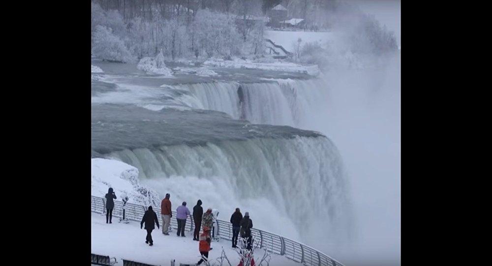 When Niagara Falls Freezes Over Sputnik International