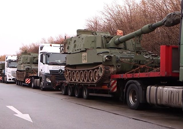 German Police Stops Convoy With 6 American M109 Howitzers