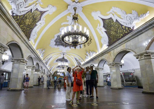 Moscow Metro: Architectural Extravagance Hidden Underground