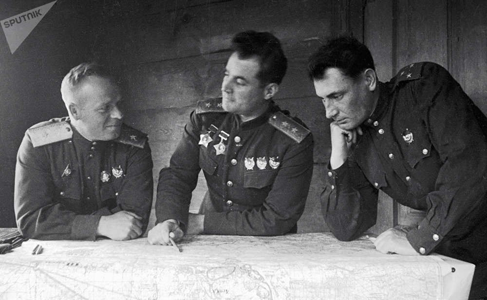 Lieutenant General Ivan Chernyakhovsky (centre) with commissioned officers at the 60th army staff office