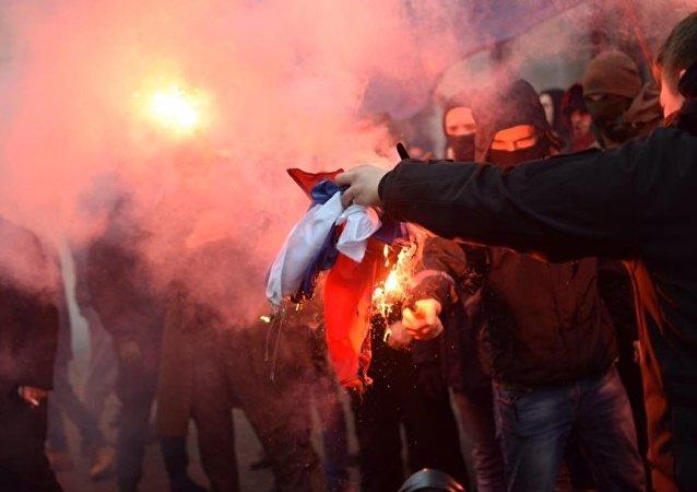 россотрудничество, киев, погром, с14, националисты, радикалы