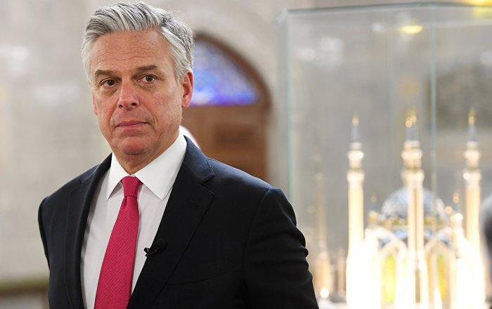 Huntsman Reportedly Refutes to Resign Amid Calls to Quit Over Helsinki Summit