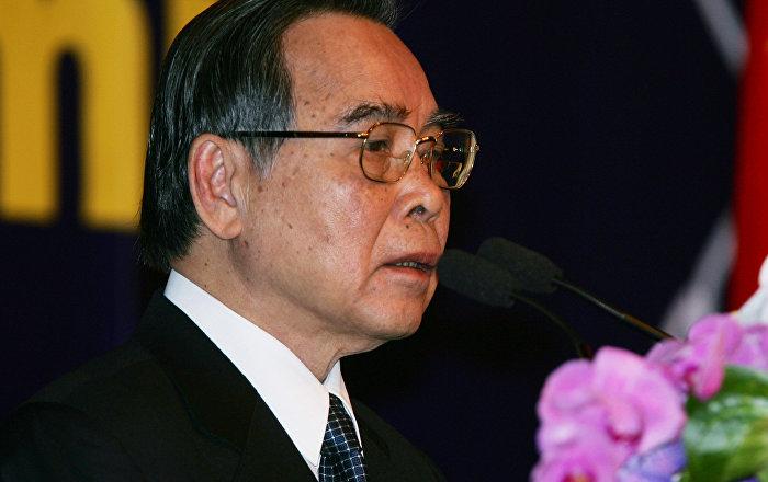 Vietnamese Prime Minister Phan Van Khai addresses Ayeyawidy Chao Phraya Mekong Economic Cooperation Strategy Summit at Government House in Bangkok, Thailand, Thursday, Nov. 3, 2005.