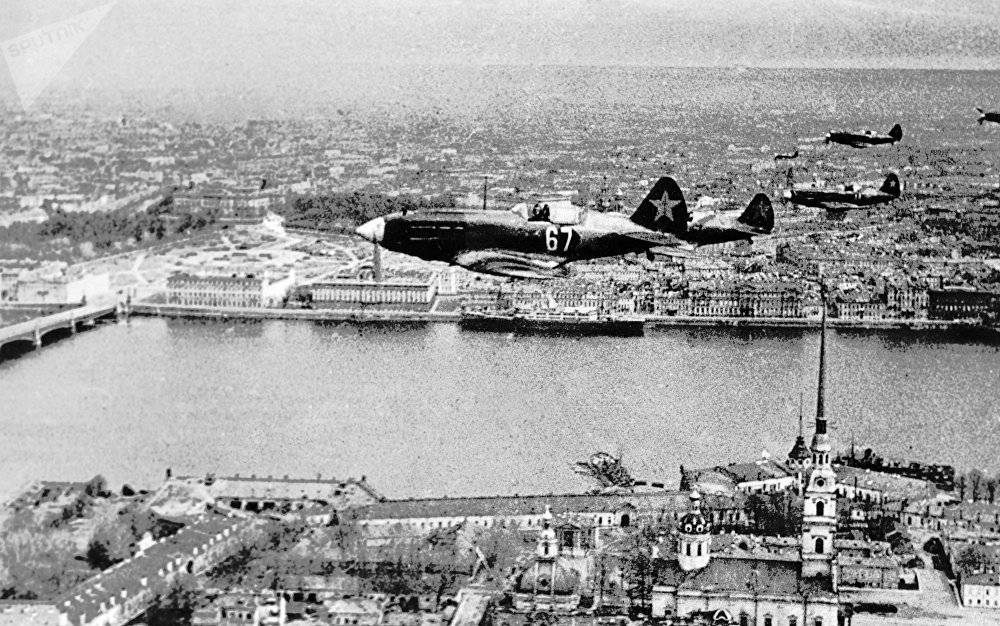 Soviet fighters flying above the Peter and Paul fortress in Leningrad. (File)
