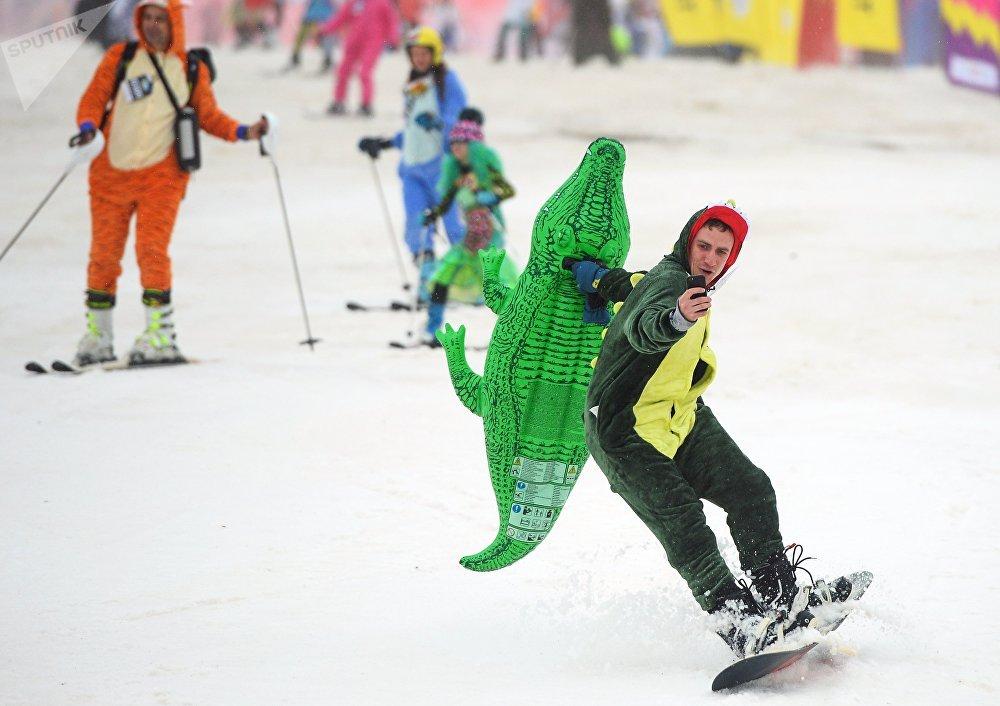 BoogelWoogel-2018 Summerish Alpine Carnival
