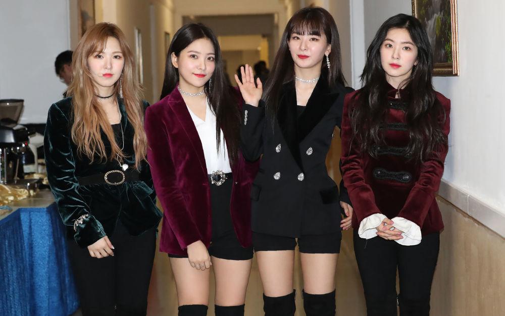 Kim Jong-un Visits South Korean Pop Stars' Concert