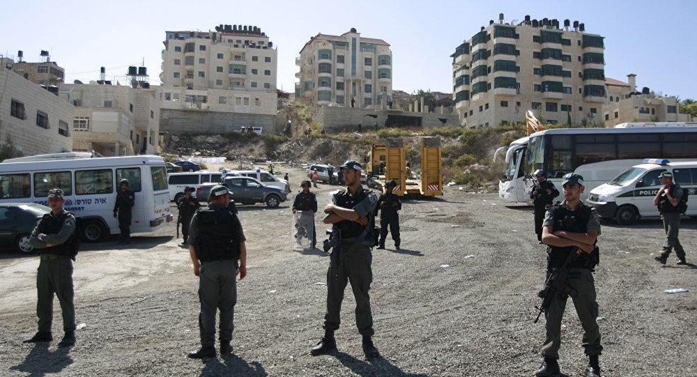 Israeli security officers in the Arab east Jerusalem neighborhood of Beit Hanina. (File)