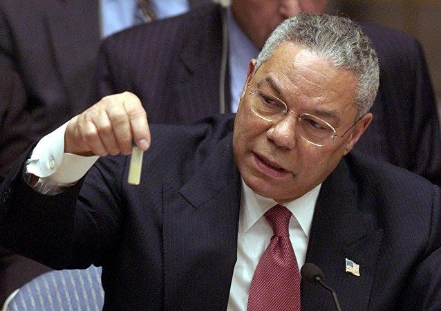 Colin Powell présente une fiole censée contenir de l'anthrax au Conseil de sécurité de lOnu