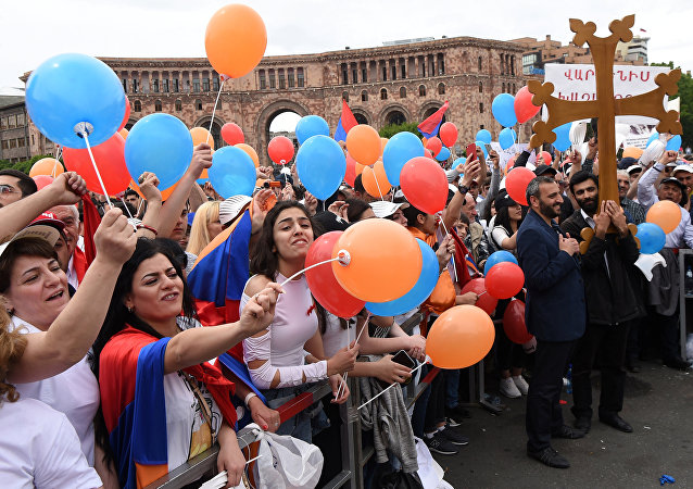 Supporters of Armenian protest leader Nikol Pashinyan gather in Republic Square as parliament holds a session to elect a new prime minister in Yerevan, Armenia May 8, 2018