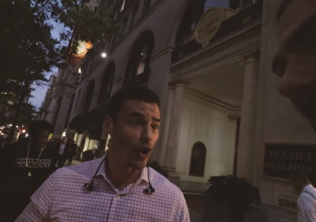 Aaron Schlossberg filmed harassing YouTuber Willie Morris on streets of NYC
