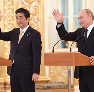 Russian President Vladimir Putin with Japanese Prime Minister Shinzo Abe