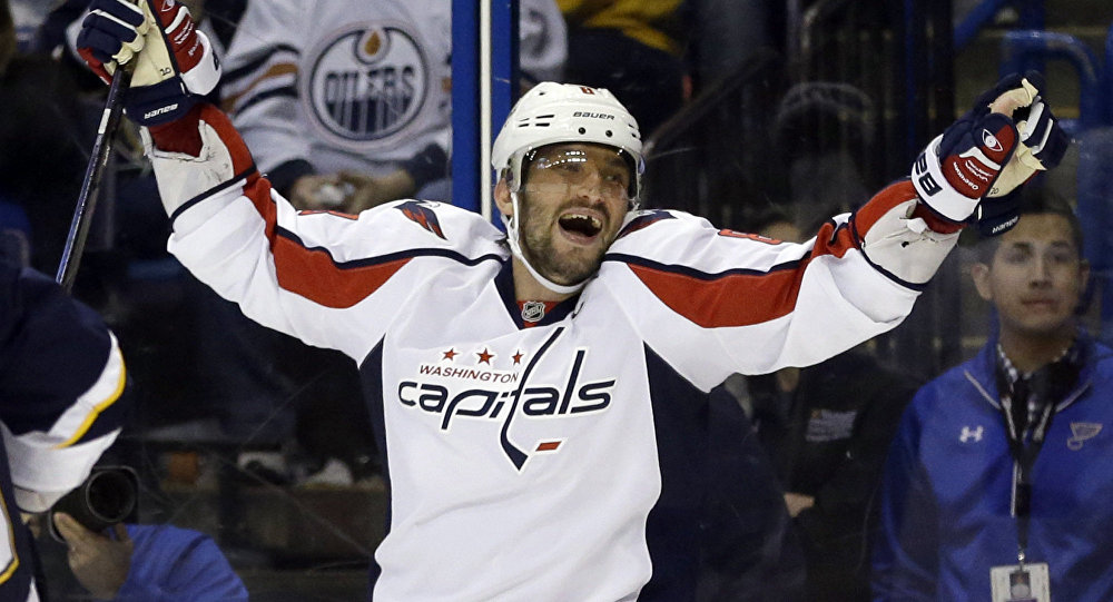 ebdb255e0ef WATCH Hockey Star Ovechkin Notch Another Hat Trick