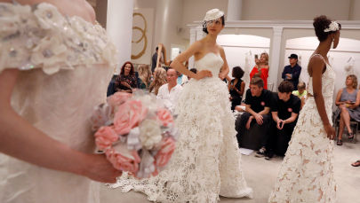 Hope it Doesn't Rain: Toilet Paper Wedding Dress Contest Starts in US