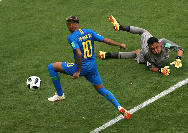 Soccer Football - World Cup - Group E - Brazil vs Costa Rica - Saint Petersburg Stadium, Saint Petersburg, Russia - June 22, 2018 Brazil's Neymar scores their second goal as Costa Rica's Keylor Navas looks on