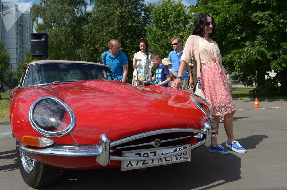 Vintage Car Run Bosch Moskau Klassik