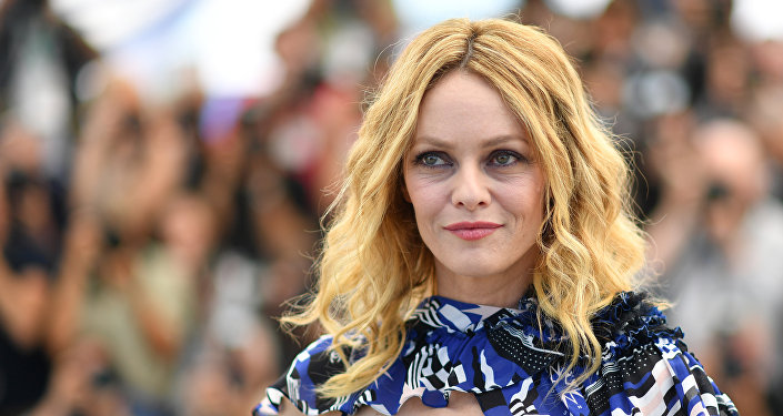 French actress Vanessa Paradis poses on May 18, 2018 during a photocall for the film Knife + Heart (Un Couteau dans le Coeur) at the 71st edition of the Cannes Film Festival in Cannes, southern France