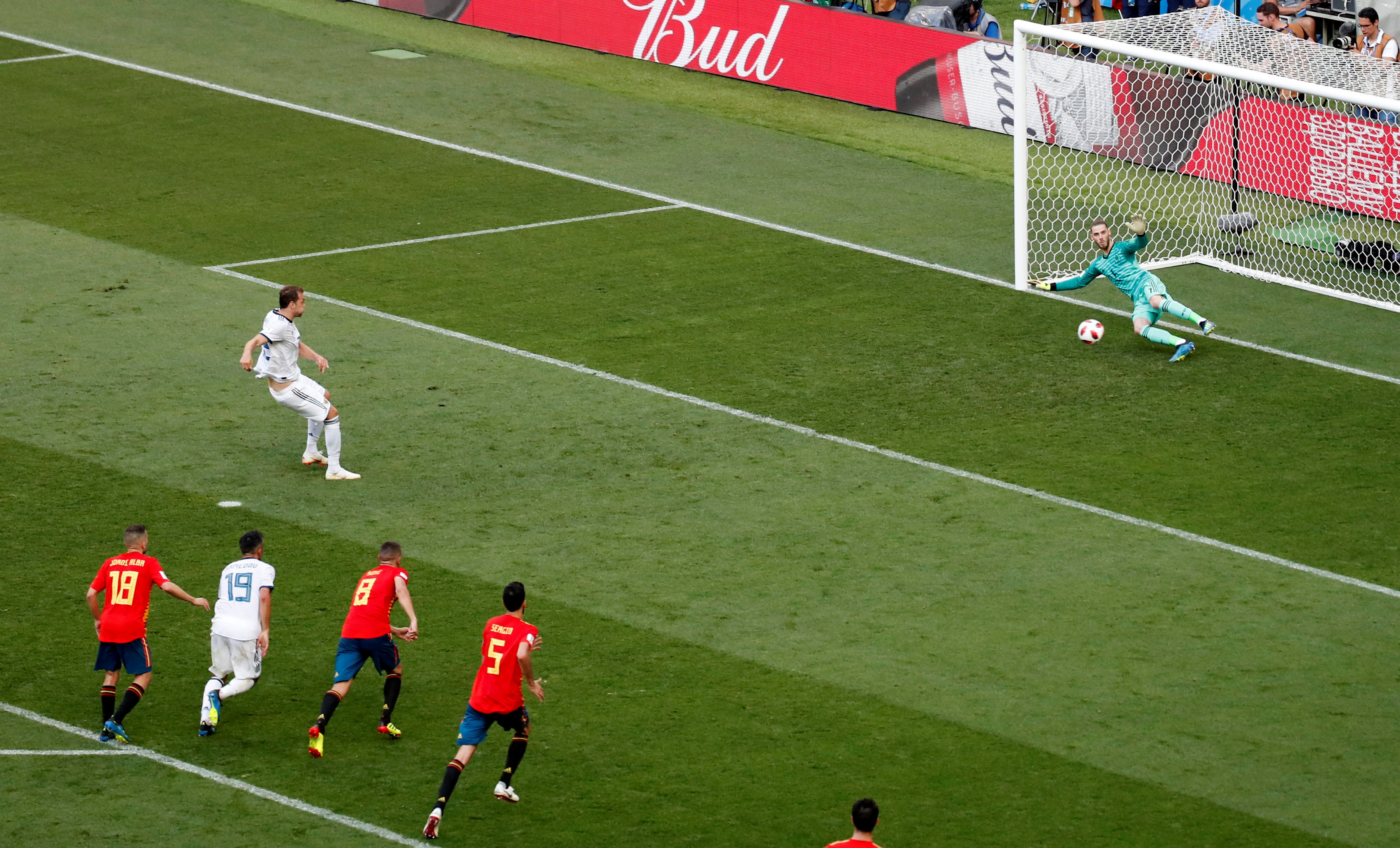 Soccer Football - World Cup - Round of 16 - Spain vs Russia - Luzhniki Stadium, Moscow, Russia - July 1, 2018 Russia's Artem Dzyuba scores their first goal from the penalty spot