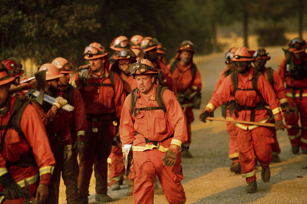 California in Flames: Huge Wildfires Engulf US State's South
