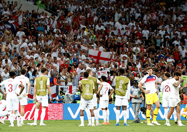 Soccer Football - World Cup - Semi Final - Croatia v England - Luzhniki Stadium, Moscow, Russia - July 11, 2018 England players look dejected as the England fans applaud them after the match
