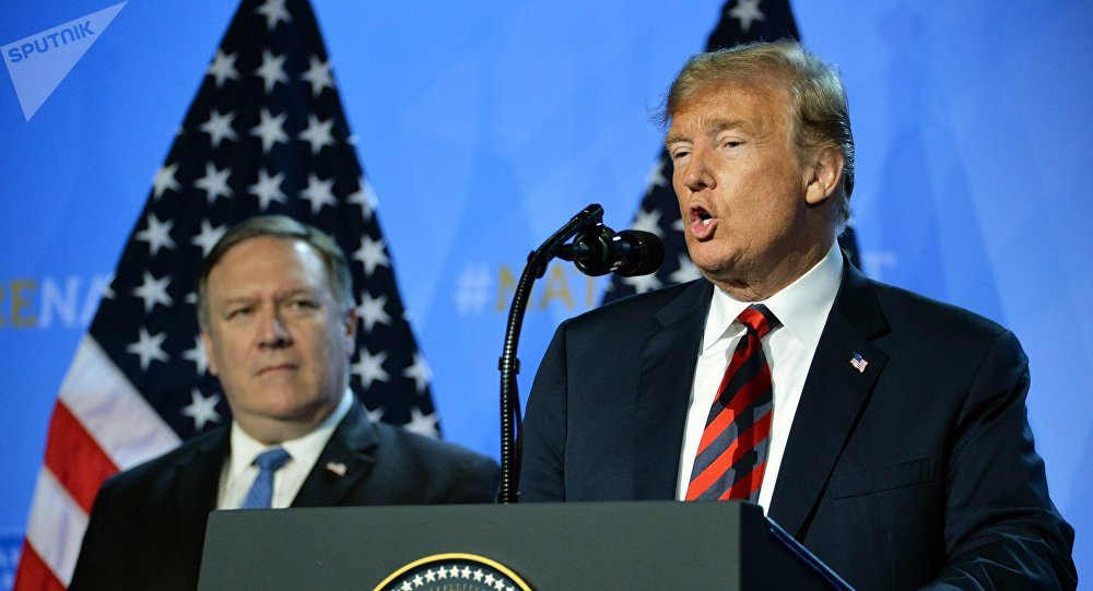 US President D. Trump and State Secretary Mike Pompeo at NATO conferense