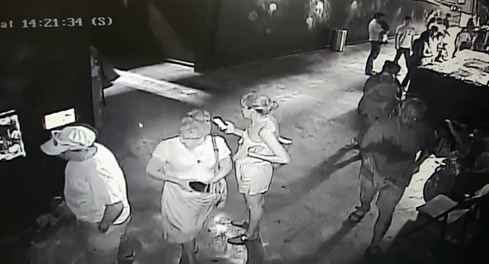 San Antonio Aquarium security footage shows man steal horn shark from petting pool