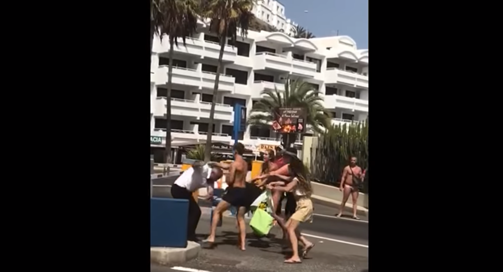 Bystanders record violent weekend fight in Spain's Puerto Rico de Gran Canaria