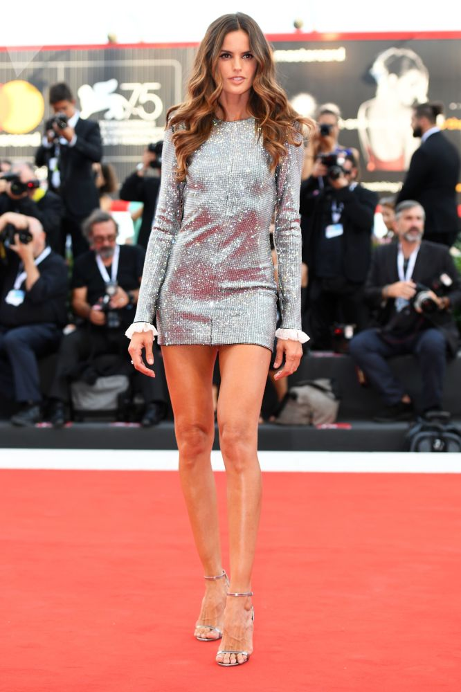 The Brazilian model Isabelle Goulart on the red carpet of the premiere of the film Roma in the framework of the 75th Venice Film Festival.