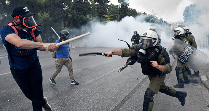 Protesters Clash With Police in Thessaloniki