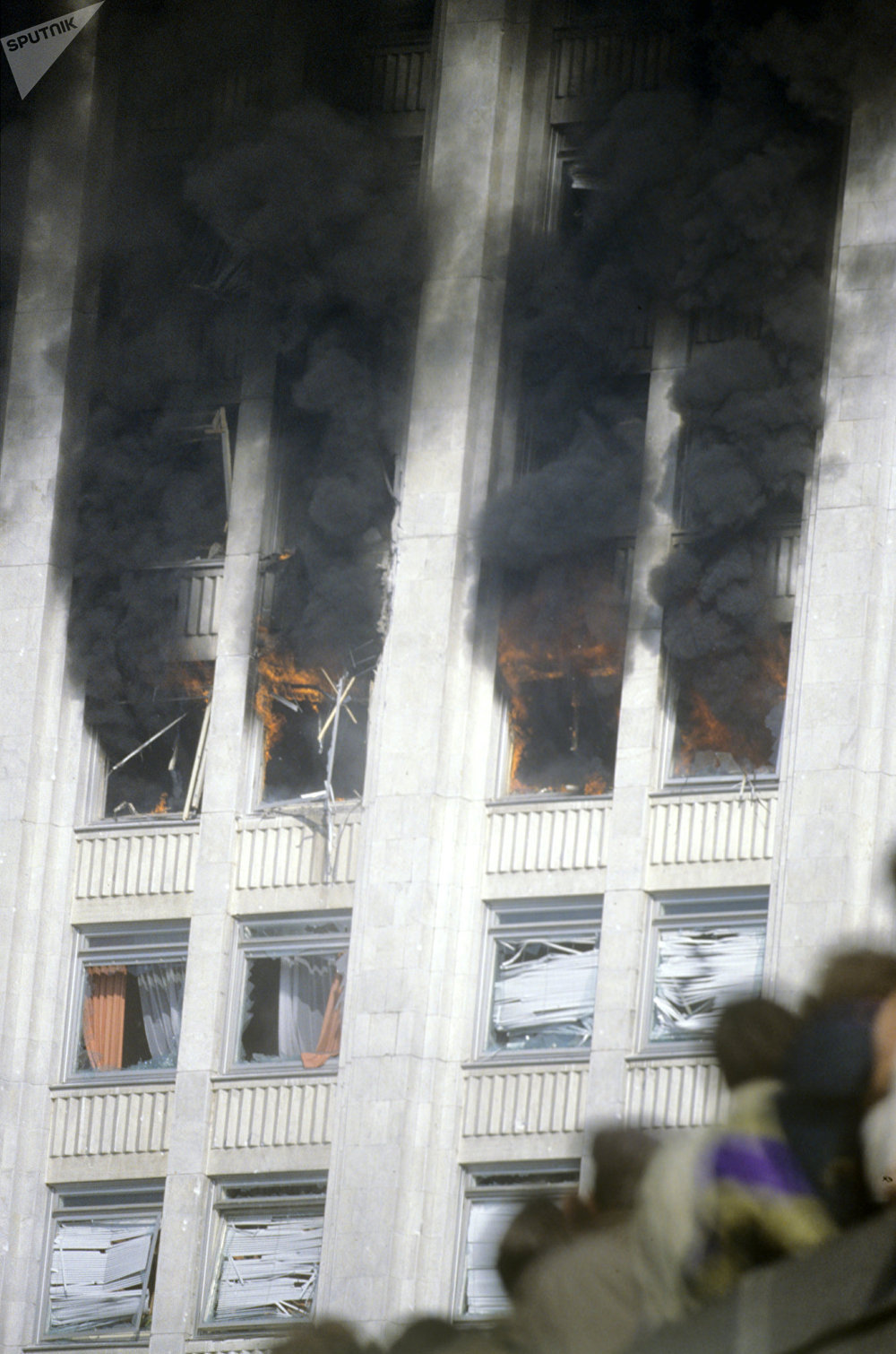 Smoke coming from the windows of the Russian Government House fired by tanks and armored vehicles during a siege attempt